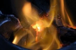 ①これさえあれば 「火おこし=大変」  というイメージは覆される